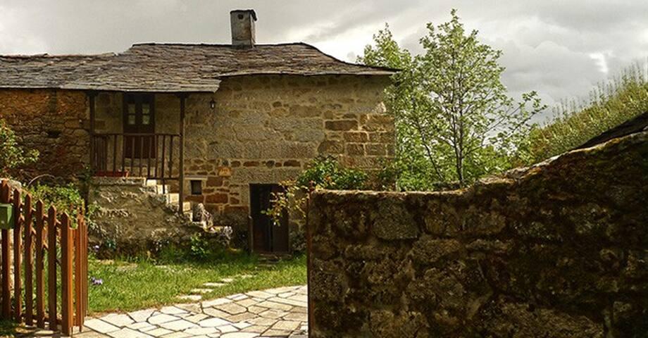 Casa Jeijo (4+1 pl.) alojamiento vacacional - Limianos de Sanabria