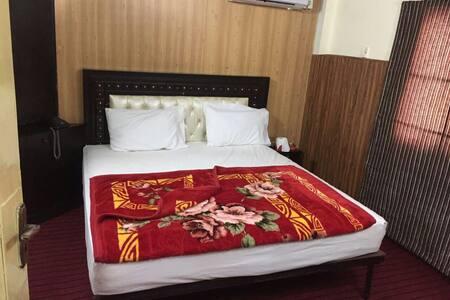 HOTEL STAR SECURED GULBERG III - Lahore - Inap sarapan