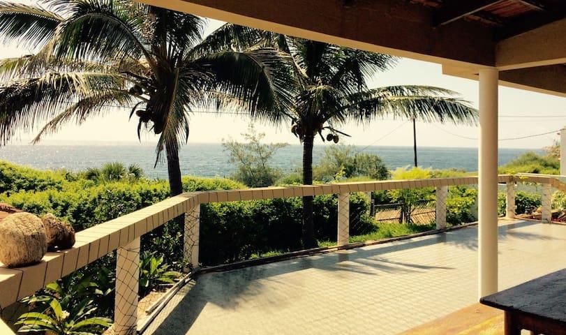 Beach House Casa Koala - location location...! - Inhambane - House