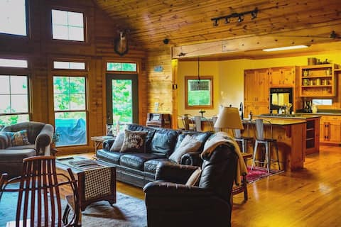 Lakeside Lodge: A home away from home!