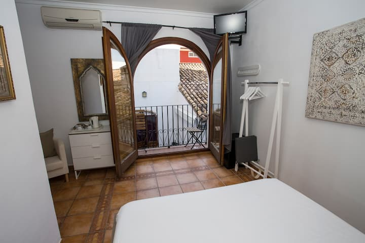 Pension Oliva - Lovely double - Room 202