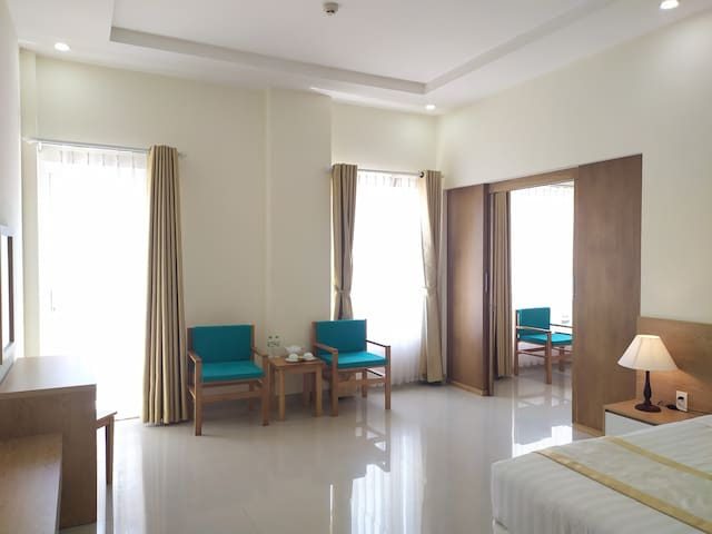 White sand Beach Side Spacious Room for Family