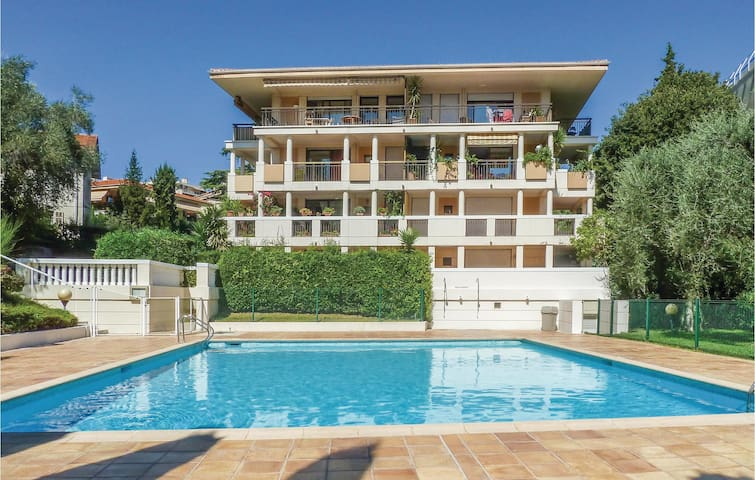 Holiday apartment with 2 bedrooms on 90m² in Cannes