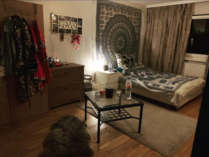 Lovely double room in London's heart