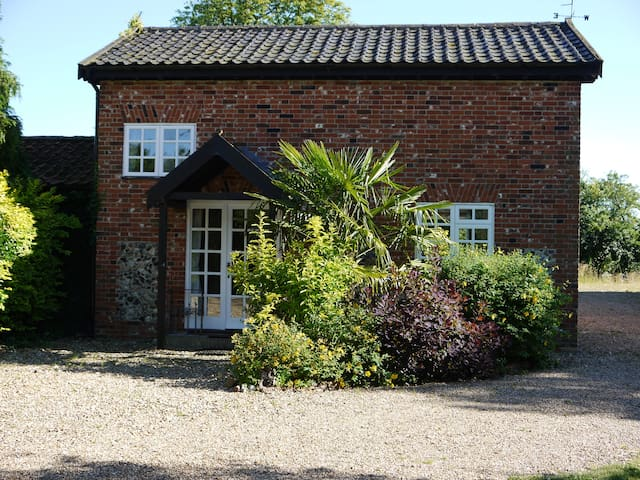 Rose Cottage at Lodge Farm - Rushall - Casa