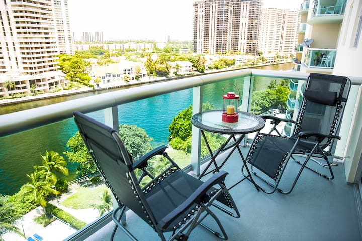 NEW 1 BEDROOM/1,5 BATH SUITE at SUNNY ISLES BEACH - Sunny Isles Beach - Apartemen