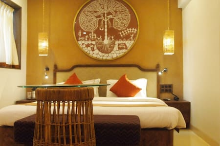 Budget & Eco-friendly Rooms in Hotel - Mumbai - Bed & Breakfast