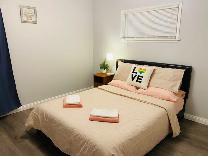 Cozyroom 1/TV/Qbed/memoryfoam mattress/privatebath