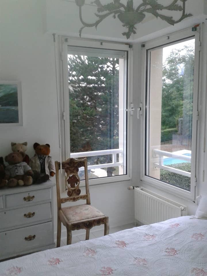 Chambre privée dans résidence calme et arborée