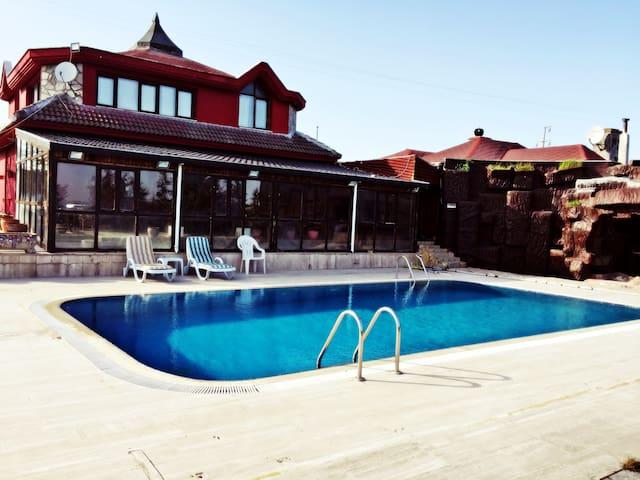 Super Luxury Farmhouse in Silivri