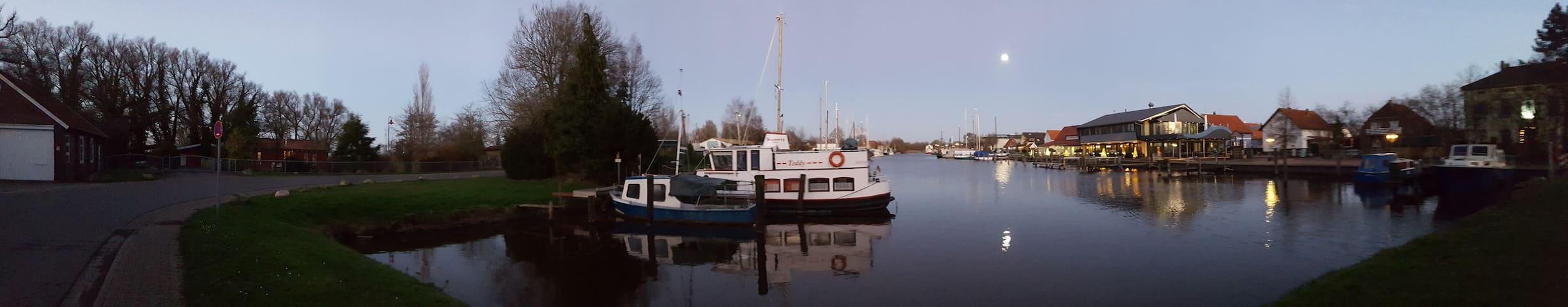 Schöne Einliegerwohnung direkt am Vareler Hafen