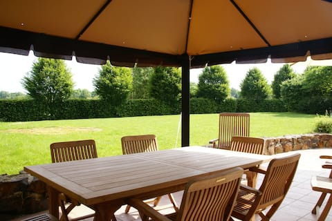 Authentic Burgundy holiday home with plenty of space and privacy, near Diges