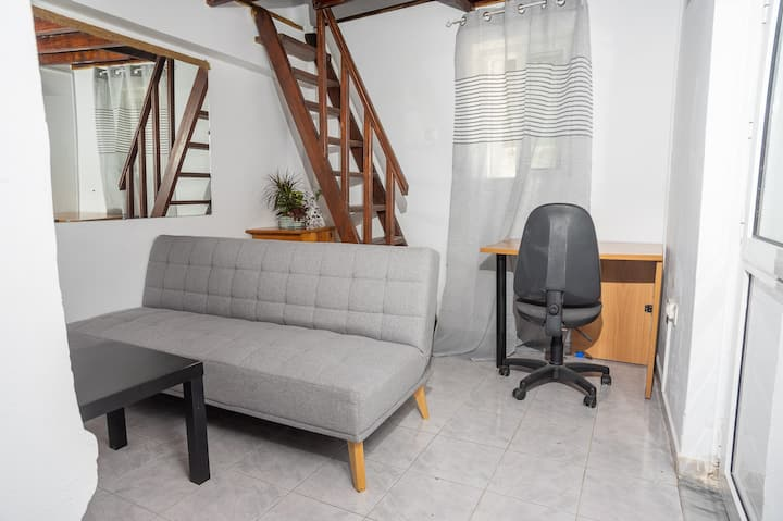 Charming Apartment near the Old Town + Courtyard