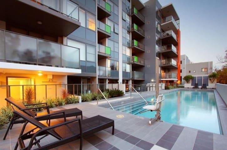 Luxury Top Floor New Apartment - Mount Lawley - Apartment