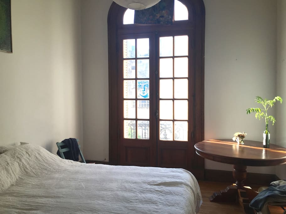 Bedroom with lots of light and sunshine all day