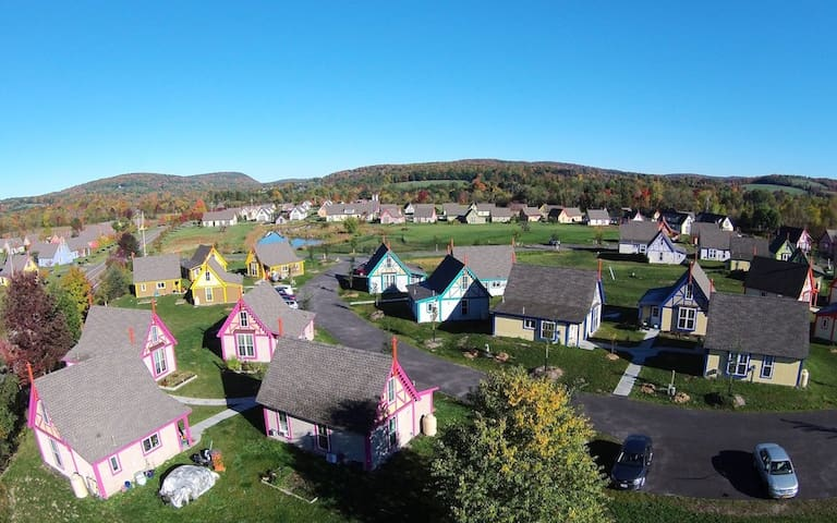 Experience cottage living in our community near Ithaca, NY. Work out in the gym, go on a hike or wine tour, bike in the countryside, or relax on your private patio. At Boiceville Cottages, you'll find the perfect upstate New York stay.