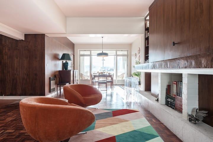Saldanha Very Spacious Apartment (Balcony + AC)