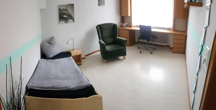 WHU-nahe 1-ZKB Wohnung, nahe Schönstadt+Rheinsteig