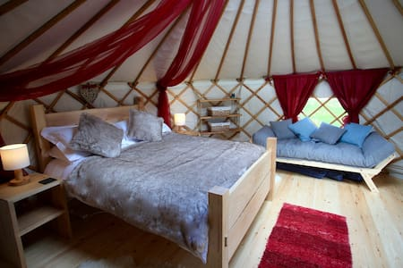 Little Oakhurst- a luxury glamping experience