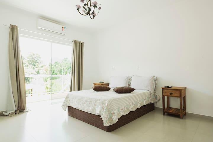 Atibaia SP - Quarto Suite - vista Pedra Grande