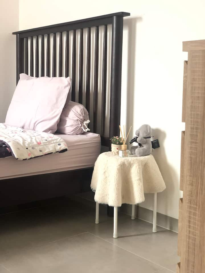 Beautiful room near BSD area