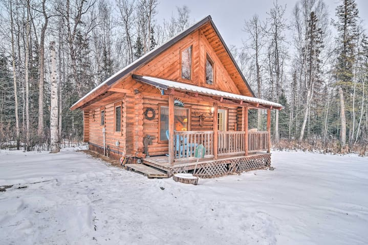 NEW! 1BR+ Loft Cabin - Central Wasilla Location!