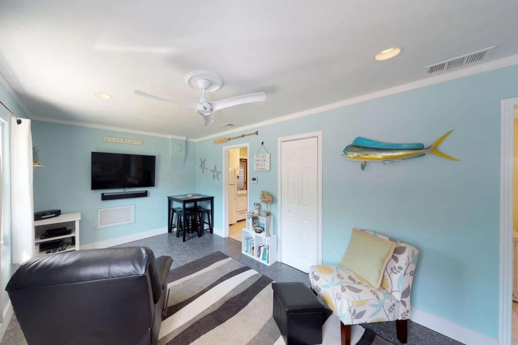 Not your typical fishing cottage, Tarpon Camp is freshly redecorated in a bright, modern style, and includes many extras you may not expect to find.