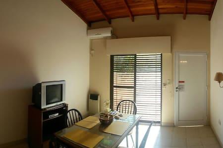 Casa amueblada en barrio tranquilo - Concordia