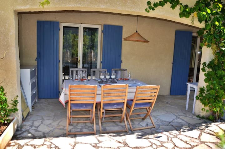 House with 3 bedrooms in Mons, with wonderful mountain view, shared pool, furnished garden - 30 km from the beach