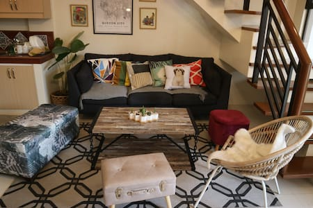 Entire 4BR Townhouse near Maginhawa