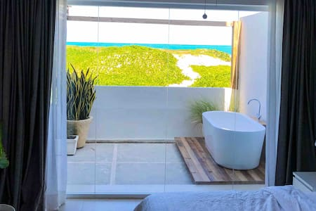 Lovely Stylish Apartment at Oceanfront on Beach B1
