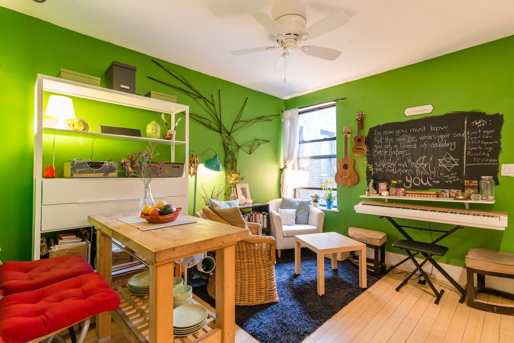 Charming hell 39 s kitchen bedroom apartments for rent in for Hell s kitchen nyc apartments