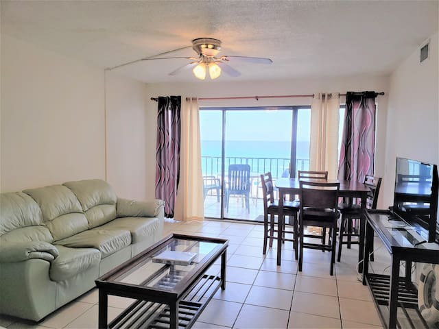 Moondriter 606 - Beach Front Condo with Shared Pool