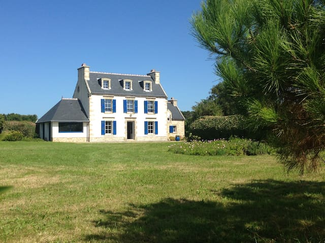 Maison traditionnelle bretonne - primelin