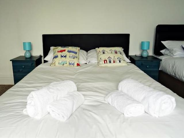 Ground floor Ocean breeze serviced rooms. Affordable comfortable and great location