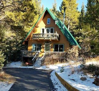 Storybook Rustic Mountain Cabin - Breckenridge