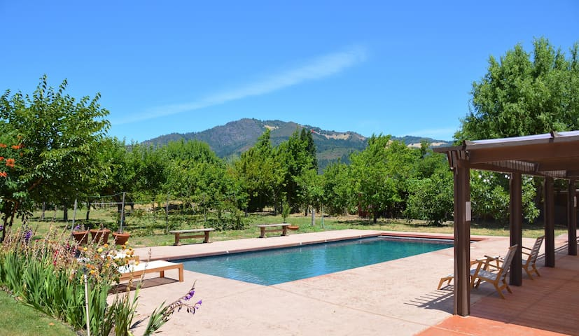 4Bd/3Ba Wine Country Retreat w/Pool - Kenwood - Casa