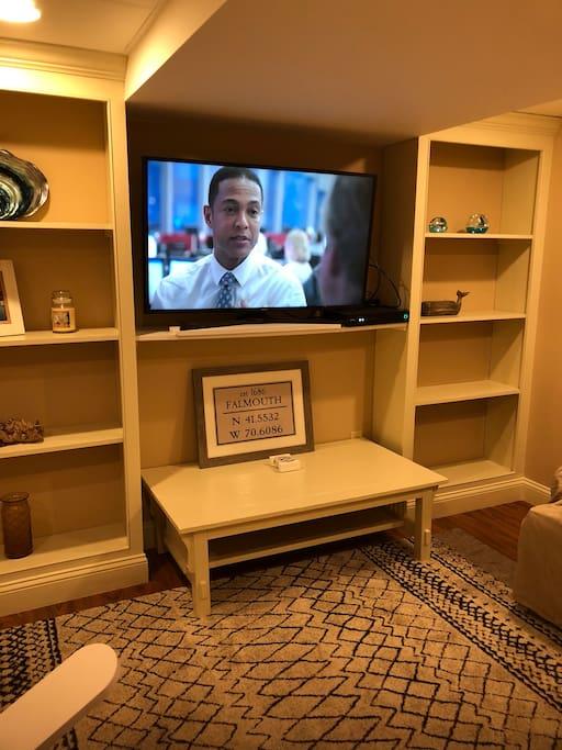 Living room 50 in screen smart TV