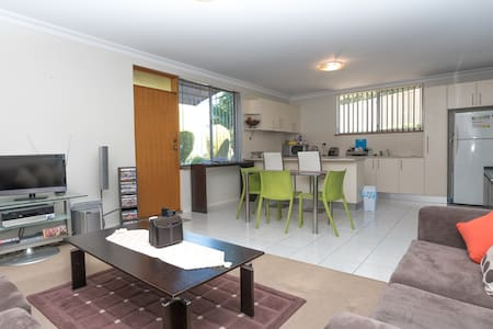 Spacious 1 BR Flat in the Belconnen Area.