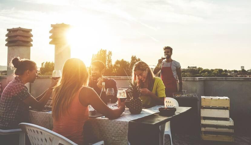 Casa Flor - Wine & dine, entertainment, day-trips & more