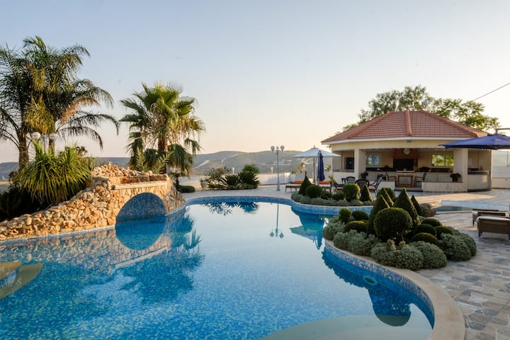 One Of A Kind:  Hillside Luxury Villa in Kato Drys