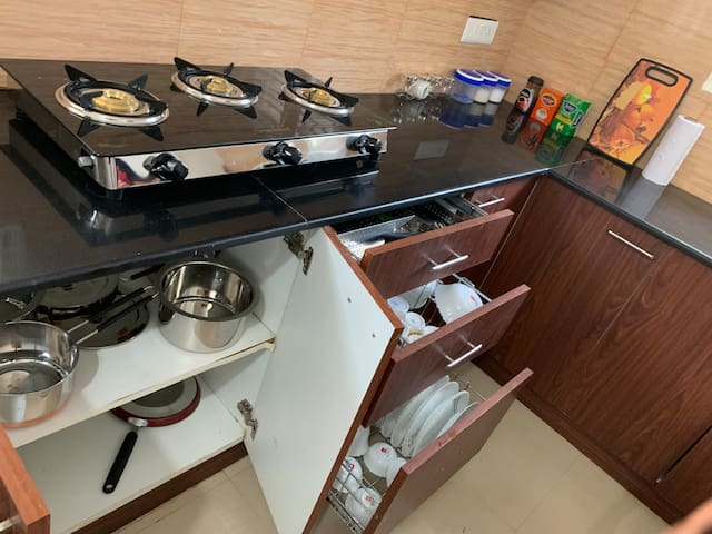 1bedroom and 1small living room kitchen  flat