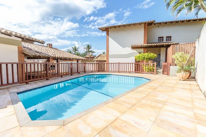 Casa Meaípe c/ 06 suítes refrigeradas, com piscina