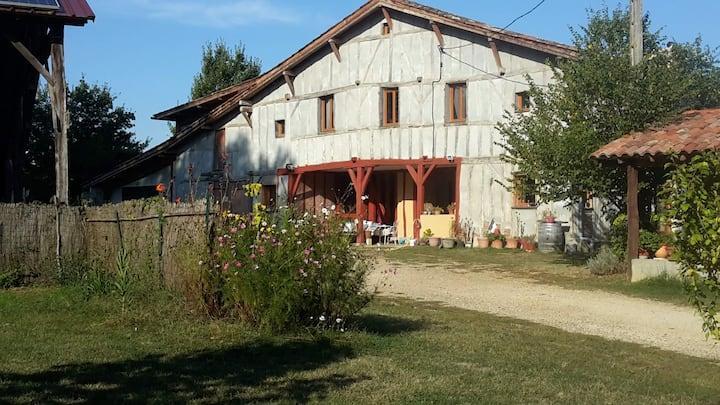 """Chambre d'hôtes en Bas Armagnac """"Aux Iris"""""""