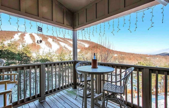 Ski🎿 & hike from front steps—Mountainside getaway