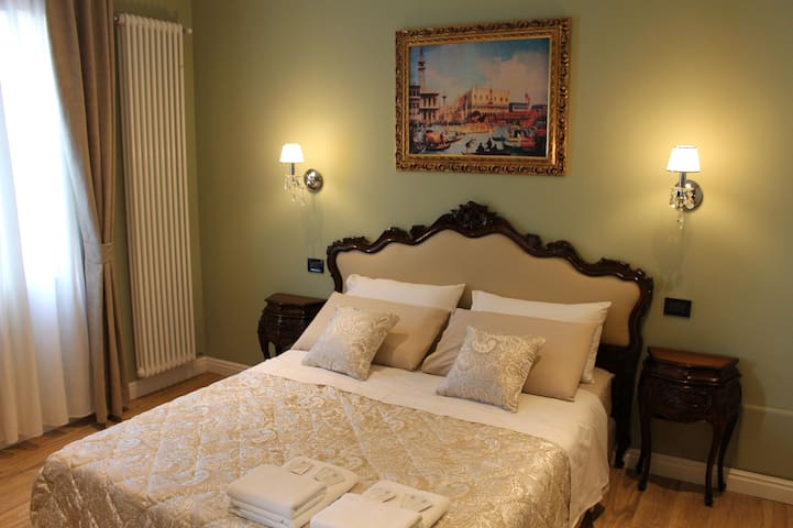 Dream of Venice, charm antique and comfort - Venetsia - Aamiaismajoitus