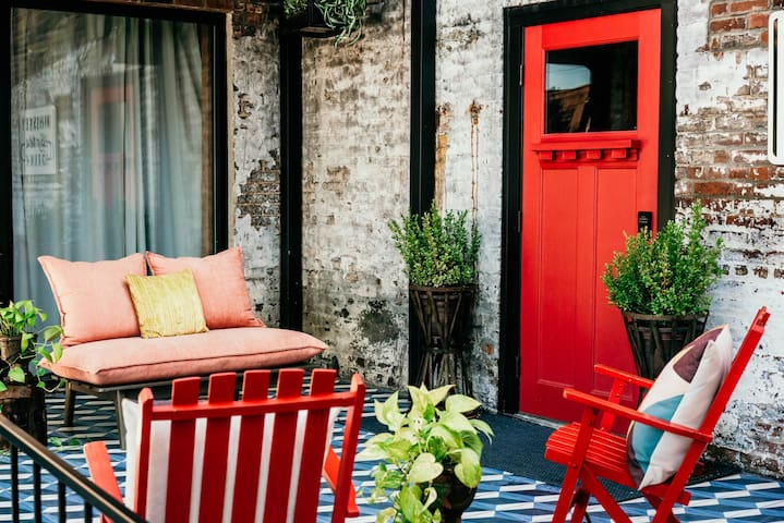 Renovated Double Suites in the Heart of NuLu Fun