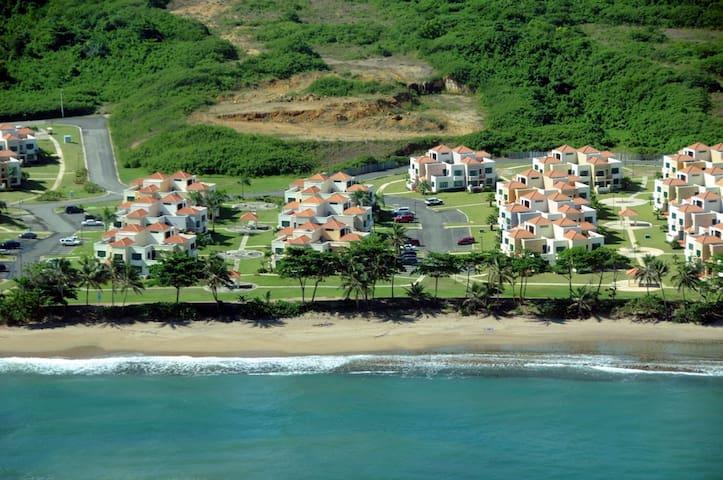 Beach Villa in Exclusive Punta del Mar