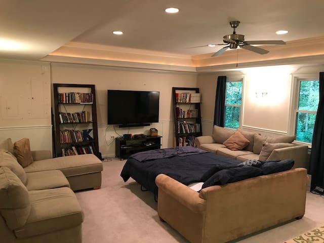Creekwood Suite