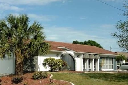 Peaceful Port Charlotte 2Bd/2Ba on water - Ház